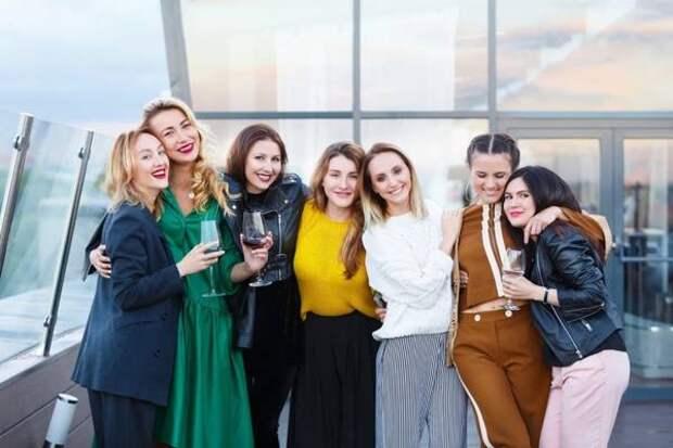 """Программа для девушек """"Женский бизнес. Индустрия красоты"""" стартует на Колыме 20 апреля"""