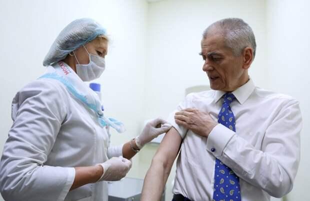 Дело не в прививке БЦЖ, а в том, что у России нет мужчин-стариков 65+. Вот - цифры