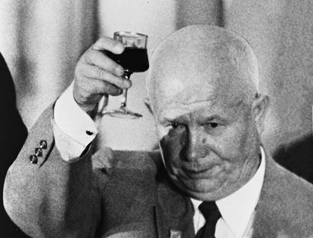 «Заговор» Брежнева: как в 1964 году Хрущёва отстранили от власти