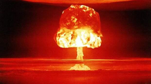 Сатановский высмеял заявление посла Украины в Германии о ядерном статусе Киева