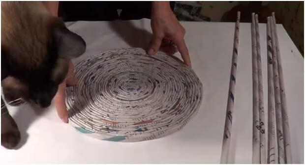 Как сделать подставки-салфетки из бумаги своими руками