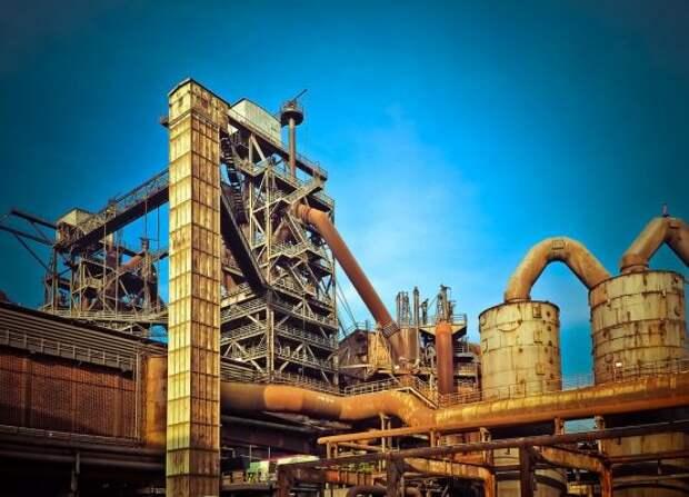 Один из старейших заводов Латвии пущен на металл