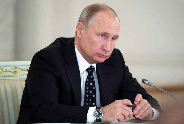 """Путин в Петербурге устроил разнос: """"Бюджетные деньги утекают сквозь пальцы"""""""