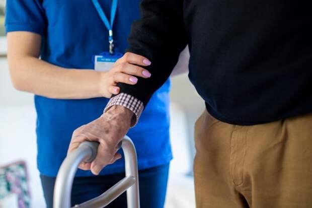 ВКентукки трое подопечных дома престарелых умерли отCOVID-19 из-за непривитого работника