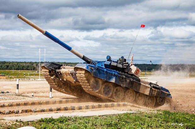 Эксперт объяснил фиаско китайцев на танковом биатлоне