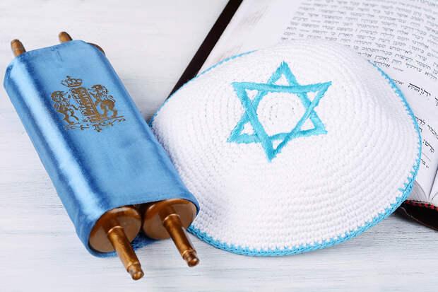 Неизвестные подожгли синагогу в Москве