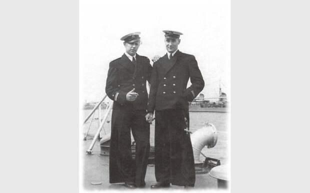 Почему моряки носили клеши