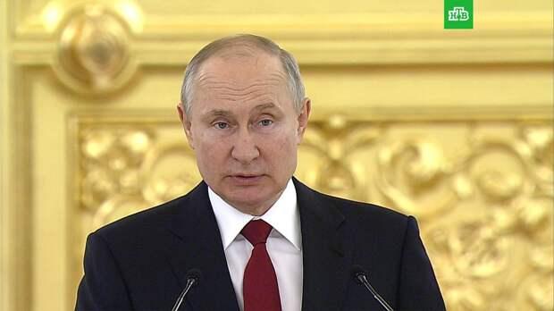 Путин анонсировал запуск в оборот четвертой вакцины от коронавируса