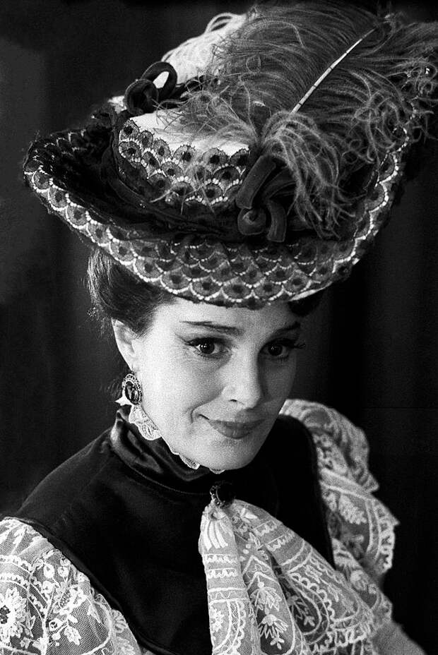 Вспоминаем самые яркие роли несравненной Элиной Быстрицкой, изображение №2