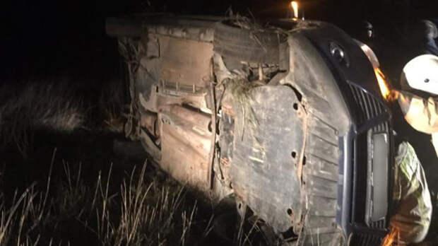 В Крыму водителя зажало после падения автомобиля в кювет