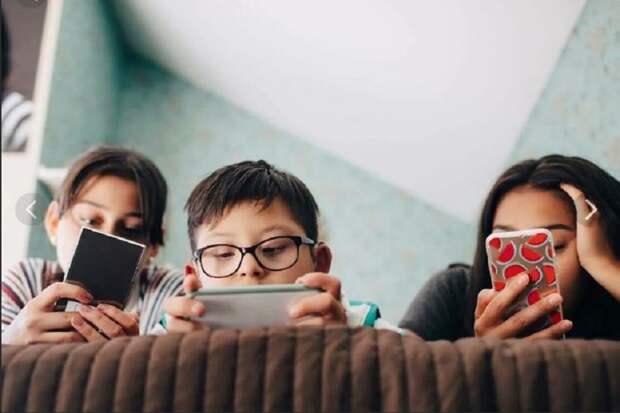 Гаджеты при обучении в школе сделают школьников близорукими