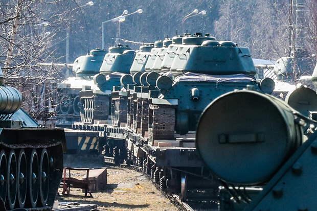 В Крым перебрасывают технику ВС из Забайкальского края