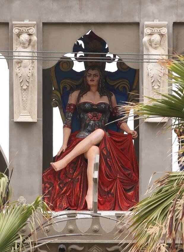 Дьявольское наваждение: прогулка помексиканскому «замку Сатаны» стоимостью 4 миллиона долларов