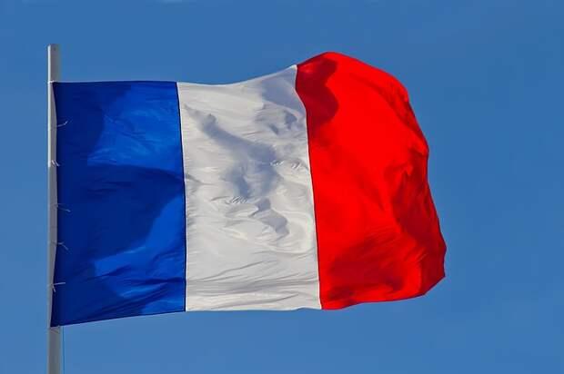 Читатели Le Figaro поддержали решение России по Чехии и США