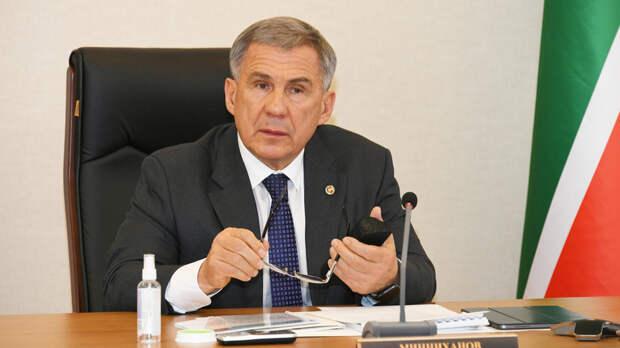 Президент Татарстана сделал прививку против COVID-19