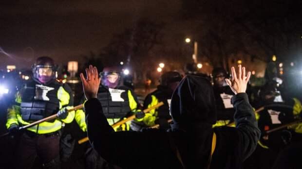 The Guardian: от США исходит большая угроза глобальной демократии