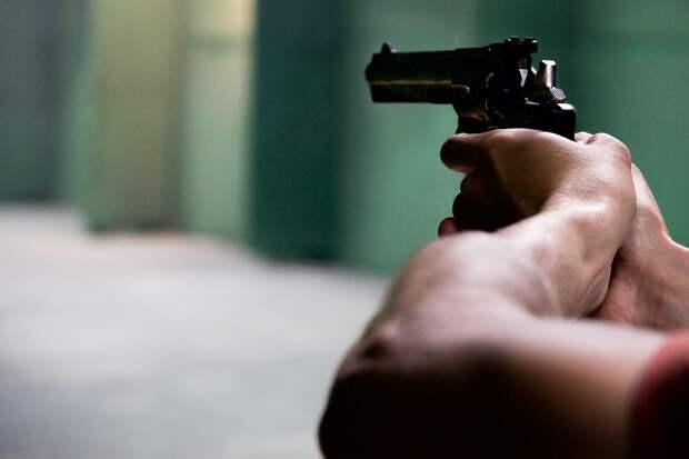 Школьник из Ленобласти пришёл на урок с пистолетом после конфликта с учителем