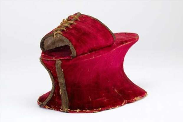 Котурны — обувь для смелых модниц! (15 фото)