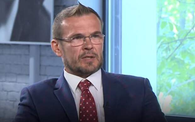 «Нужно бежать с Украины» – киевский политолог Вакаров