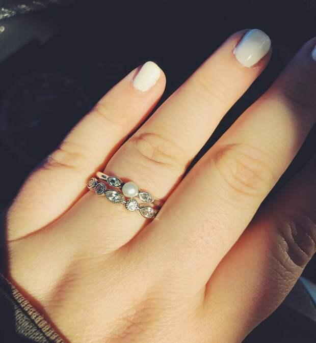 В ювелирном магазине мужчину пристыдили за «дешёвое» кольцо