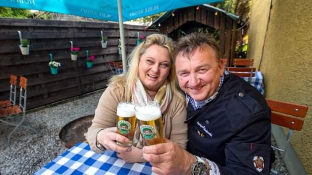 Это будет вкус свободы: Германия открывает рестораны и пивные сады
