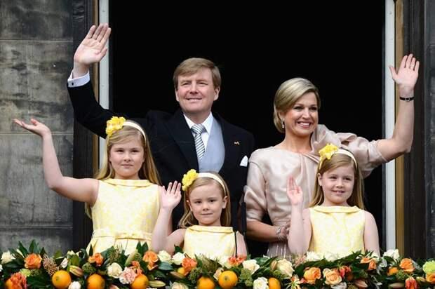 """""""Вдвое толще мамы"""" – Как выглядит 17-летняя принцесса Нидерландов"""