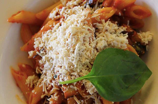 Нарезали полкило баклажанов и готовим 7 блюд: закуски, гарниры и макароны