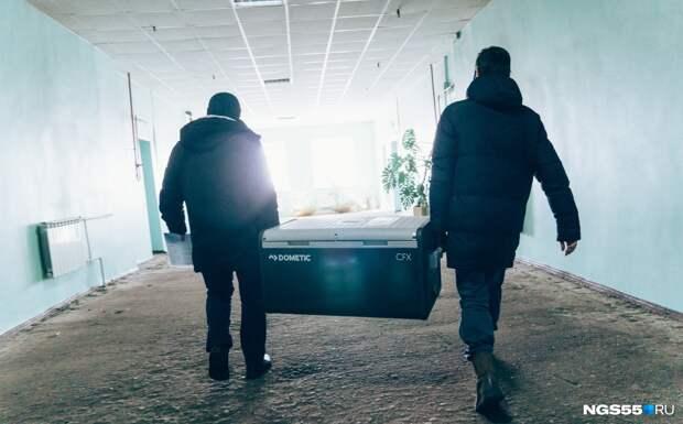 В Омске ожидают первую поставку вакцины «КовиВак»