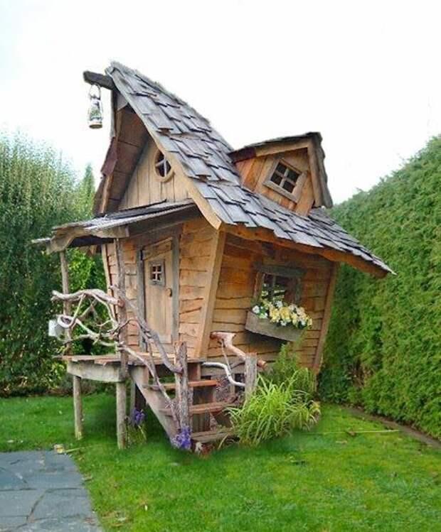 Сказочные избушки - замечательное украшение для сада!