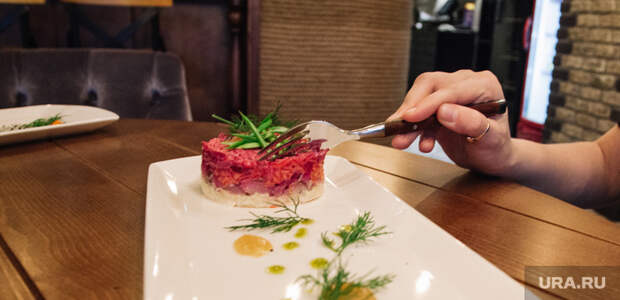 Малышева назвала новогодний салат, спасающий от коронавируса