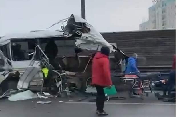 В ДТП с военными автобусами под Москвой погиб призывник с Кубани