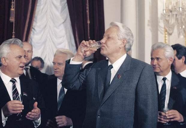 Тайны беловежского сговора. Заметки члена ЦК КПСС (1990-1991)