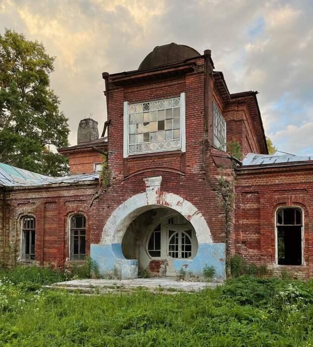 Московский блогер показал прелесть забытого модерна Тверской области