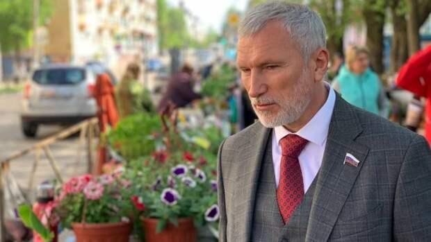 """Глава партии """"Родина"""" поддержал новгородцев в стремлении достучаться до властей"""