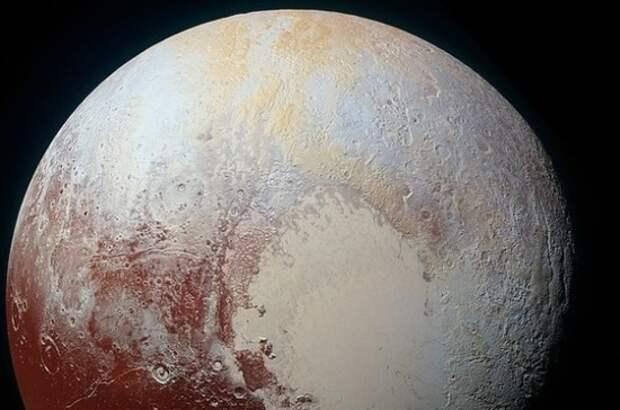 Учёные: горные вершины Плутона покрыты метановым инеем