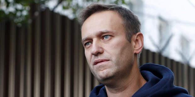 Навального доставили в суд