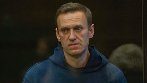 Осужденного блогера Навального переводят из колонии в стационар