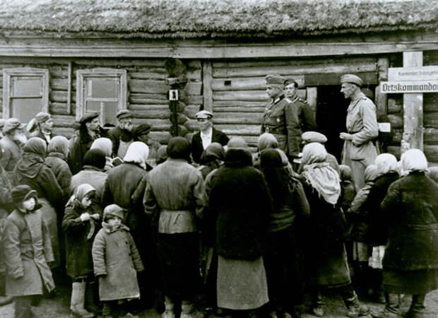 «Дайте жителей с лопатами!» – комполка «Азова» пожаловался на катастрофическое состояние второй линии обороны