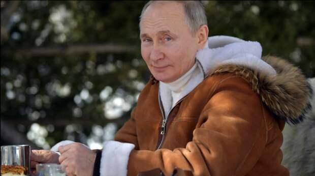 Путин и Шайгу в тайге умучили черную собаку...