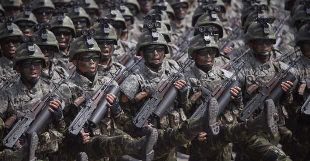 Свежесозданные специальные тактические войска Северной Кореи с новыми автоматами Тип-88-2. Источник: tvzvezda.ru