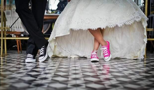 Высоцкий, сбежавшие невесты и скачки: выходные в Нижнем Тагиле