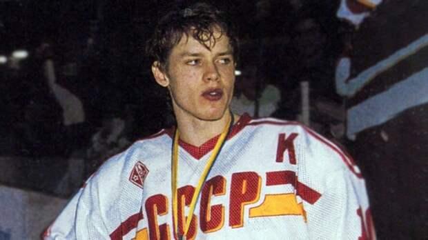 Легендарный гол Буре за сборную СССР. В 19 лет он уже издевался над соперниками на взрослом чемпионате мира