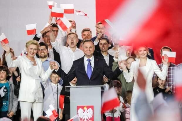 Поддержка идеи вернуть Львов Польше и антироссийская риторика обеспечили Дуде победу на выборах