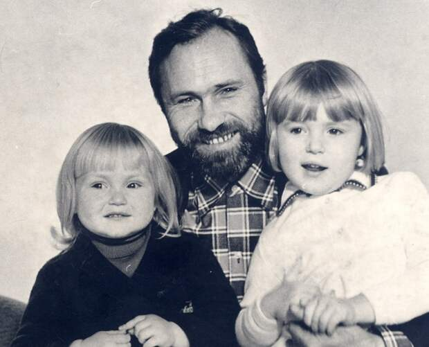 Знаменитости в кругу семьи. Фото из домашних архивов