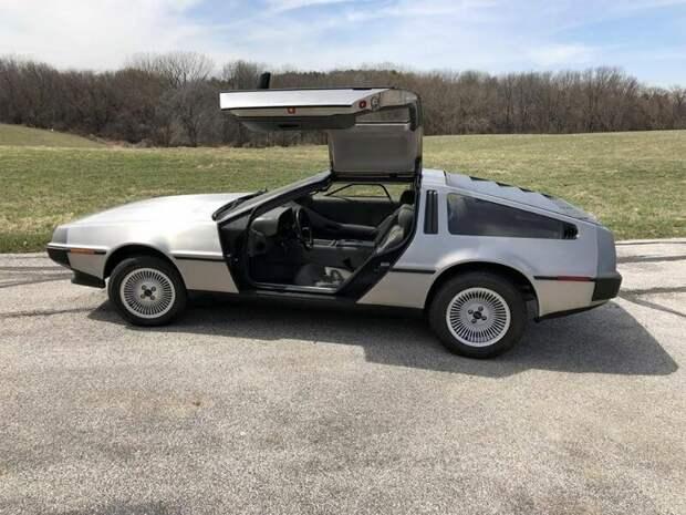 Автомобиль эпохи: легендарные и нестареющие DeLorean DMC-12 delorean dmc-12, авто, автомобили, автомобиль, машина, назад в будущее, фильм, фото