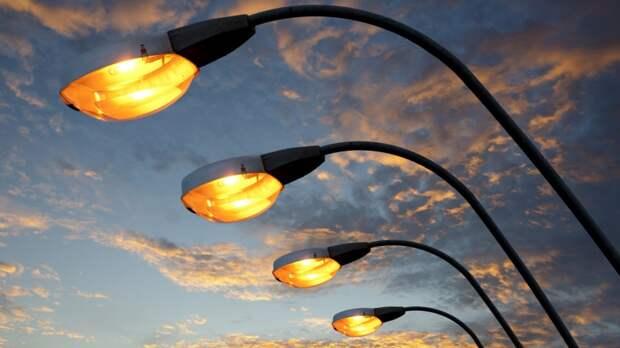 Уличное освещение Петербурга отметило 300-летний юбилей