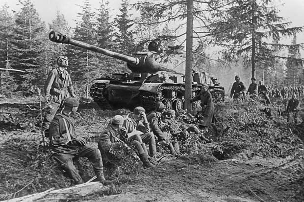 Скромный гений: кто создал ставший символом Победы танк ИС-2
