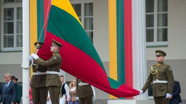Страх перед ГРУ и ФСБ принес деньги литовской разведке