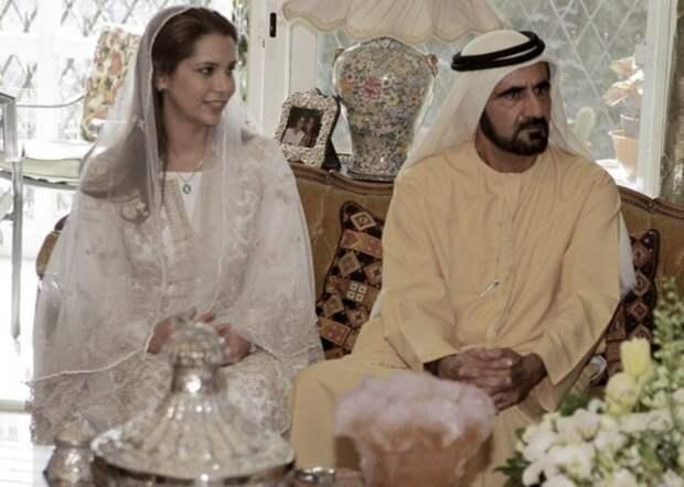 Хайя бинт аль-Хусейн и Мохаммед ибн Рашид Аль Мактум в день свадьбы. / Фото: www.emirateswoman.com