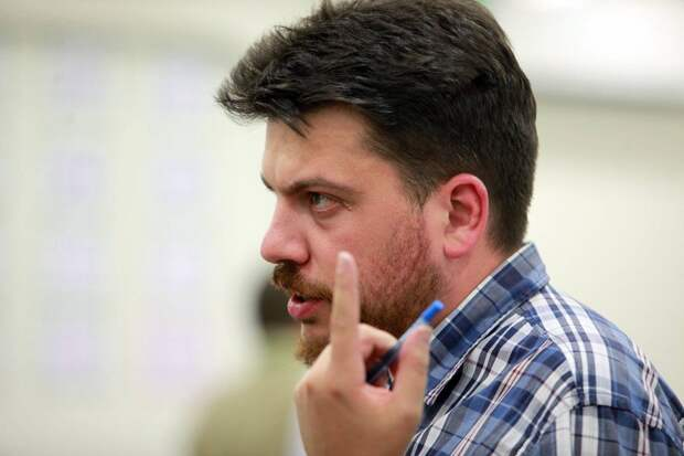 Соратник Навального призывает журналистов заняться пропагандой